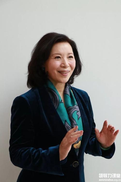 王惠新闻官。曾任北京市政府新闻发言人